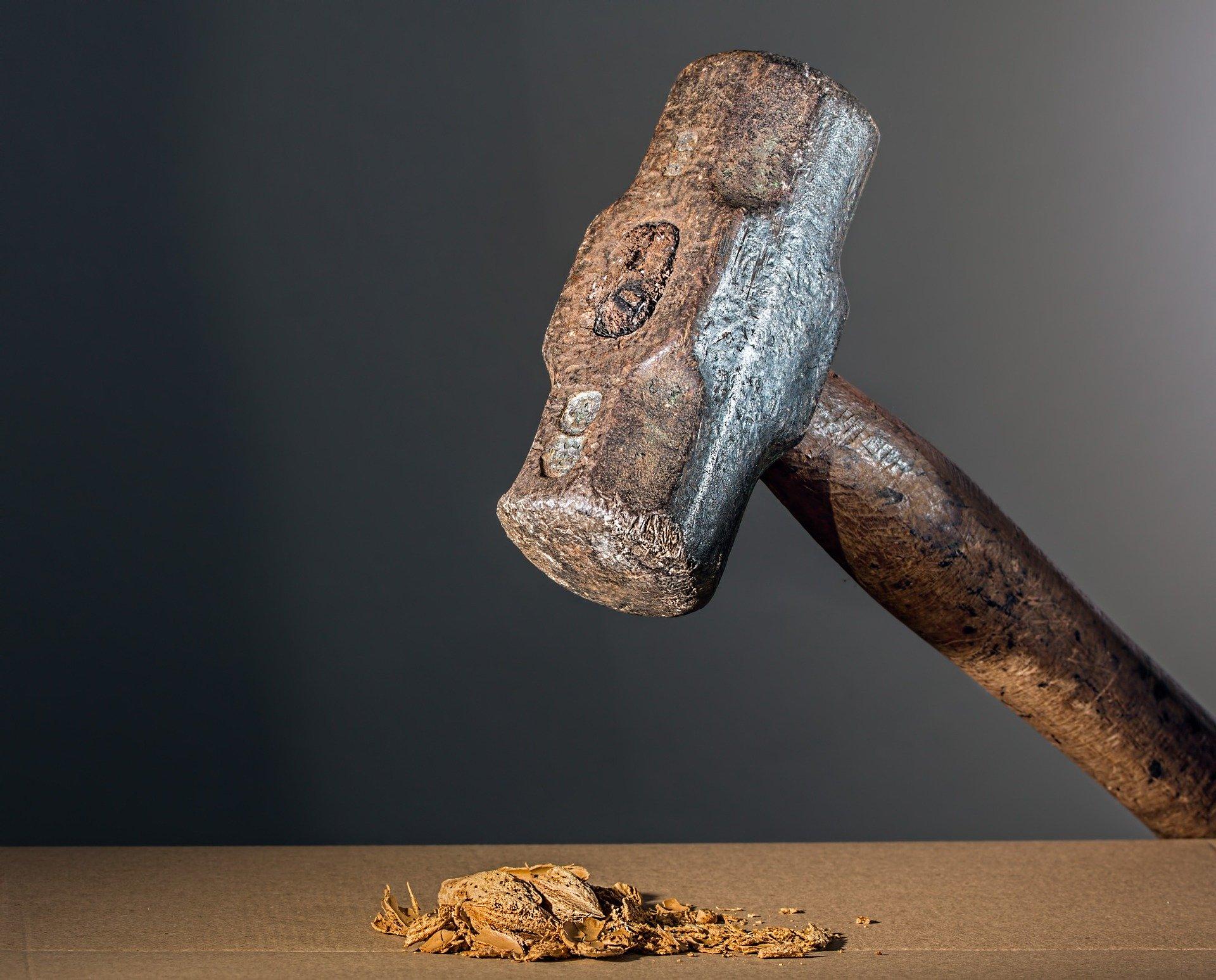 hammer-682767_1920