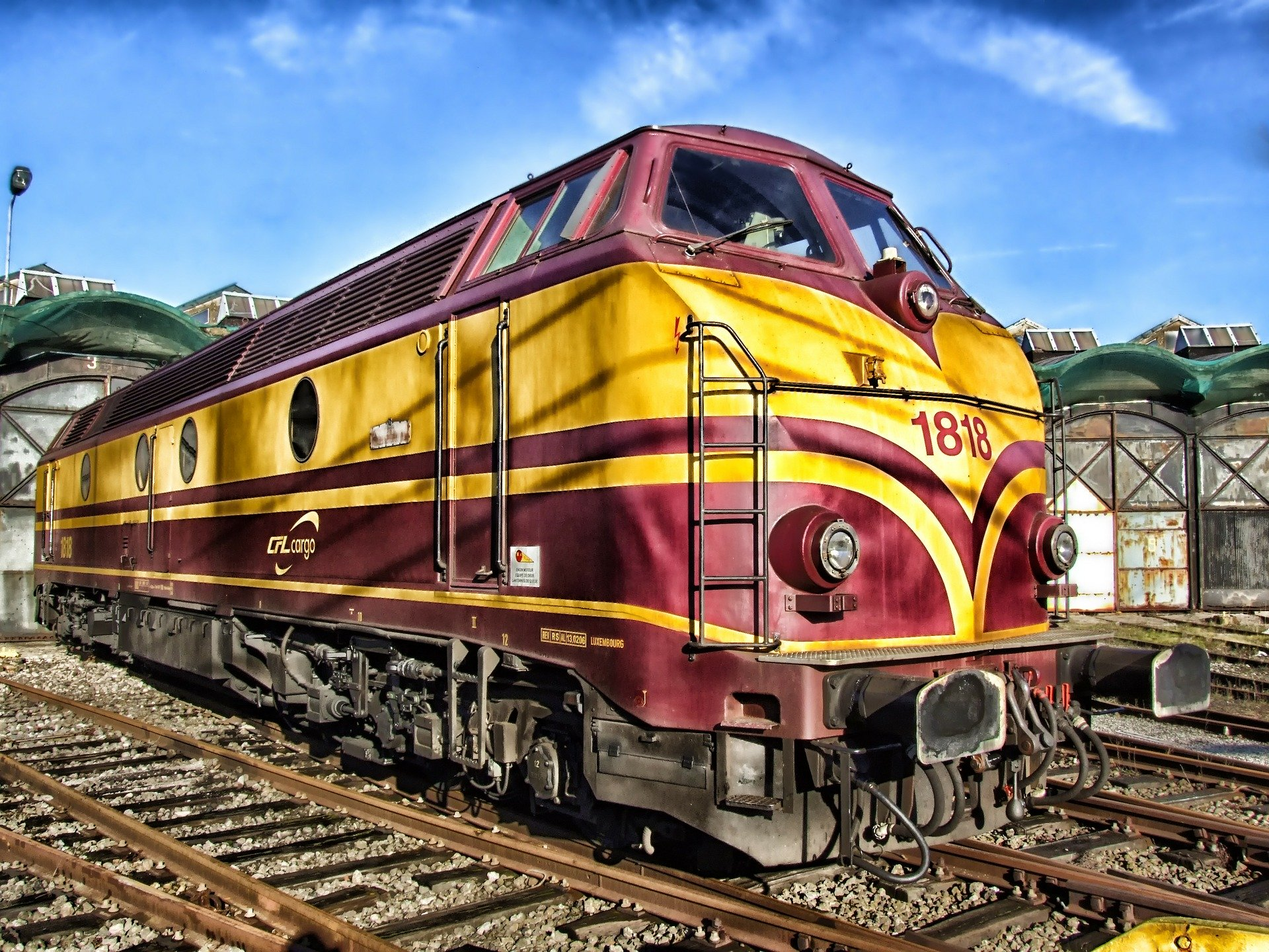 train-143847_1920